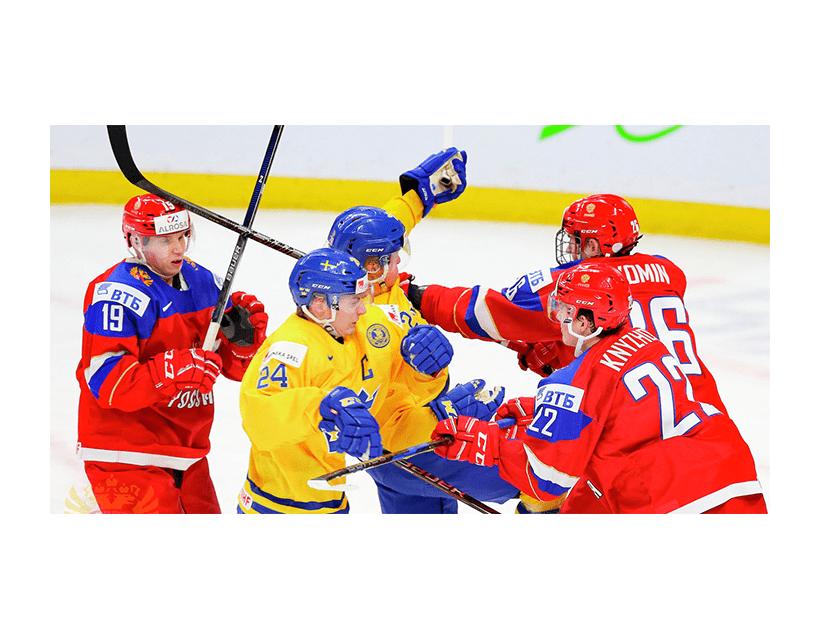 Хоккей. МЧМ. Плей-офф. 1/2 финала. Сборная Швеции (20) — Сборная России (20)